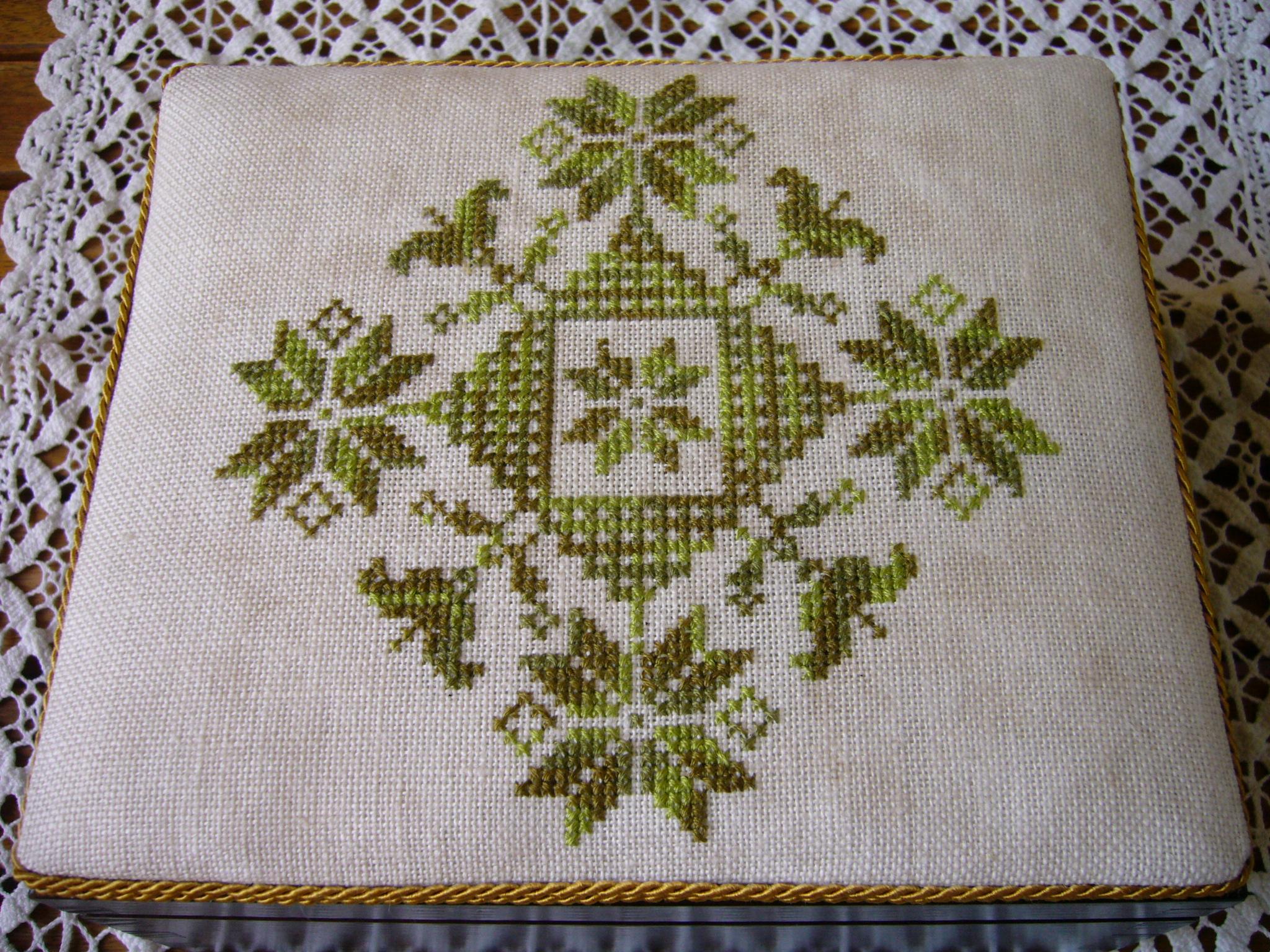 Creative Cross Stitch Challenge 7 Cenefas De Flores