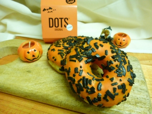 dots-8